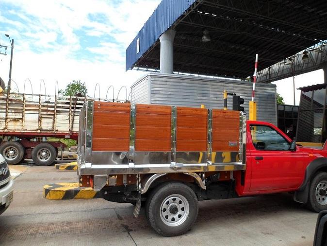 Gabinetes Para Baño Interceramic:maderplast para transportar alimentos y medicamento piso plástico de